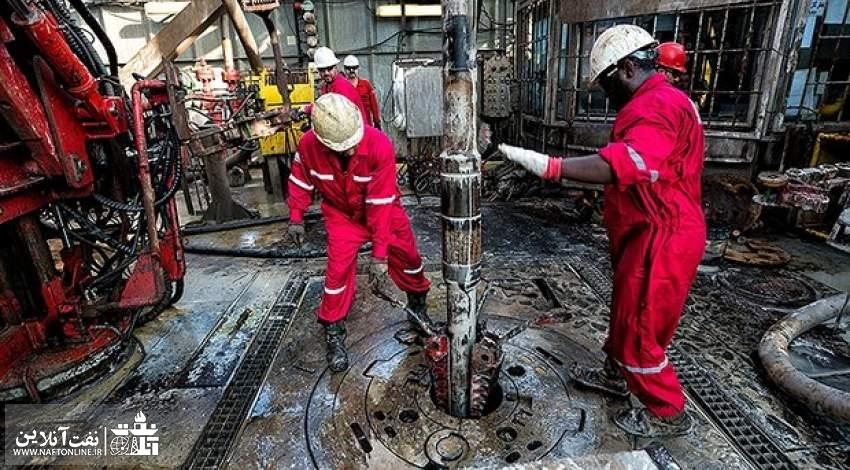 کار و تلاش بر روی یک دکل حفاری | نفت آنلاین