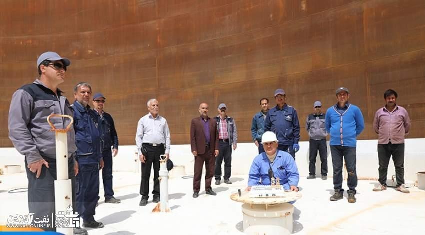 جشن تولد یکی از مهندسین نفت در شرکت پخش ارومیه | نفت آنلاین