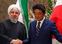 تصویری از دیدار روحانی و آبه در تهران | نفت آنلاین