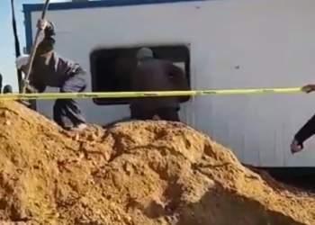 حفر خندق و مسدود کردن مسیر چاه های نفتی توسط شهرداری مشراگه   نفت آنلاین