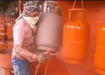 فیلمی از رنگ آمیزی کپسول گاز | نفت آنلاین