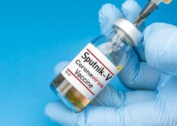 تزریق واکسن اسپوتنیک به اولین ایرانی