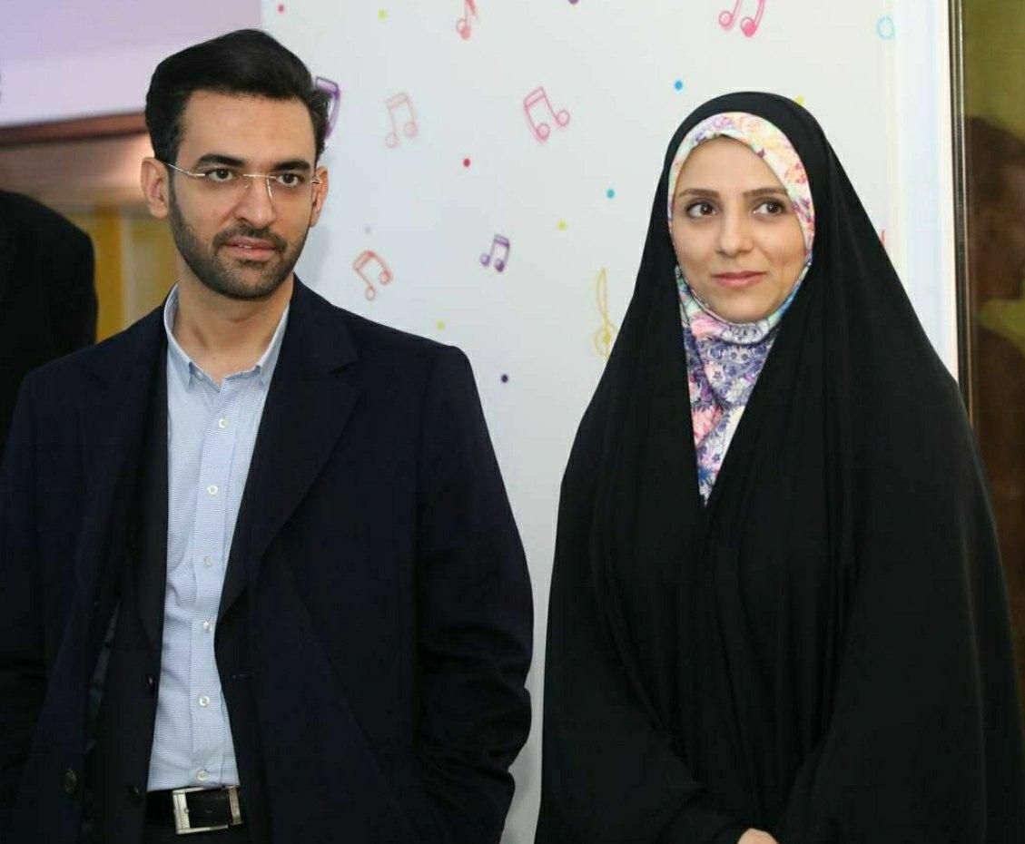 تصویر آذرجهرمی و همسرش